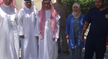 مستشفى الملك عبد العزيز يعايد المرضى في منازلهم